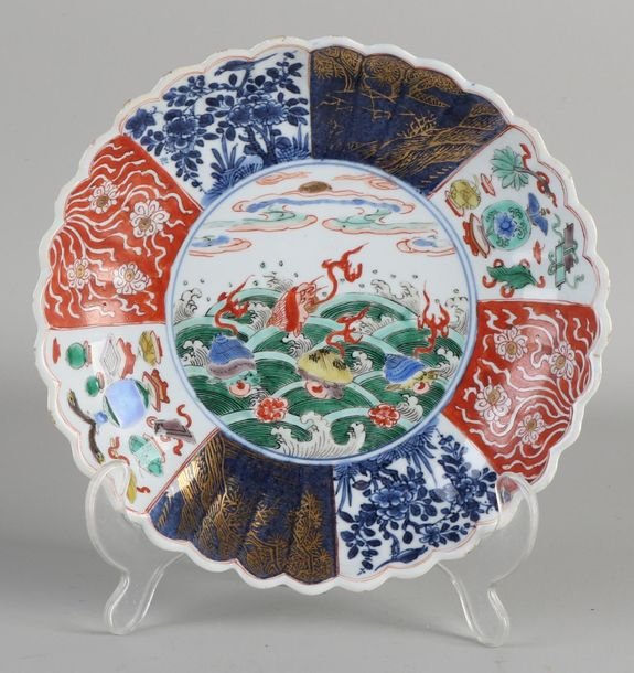 Antique Chinese porcelain Kang Xi plate with sea / shellfish / wings and gold de…