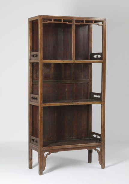 Chinese Art. A hard wood book case China, Qing dynasty, 18th century . Cm 86,00 …