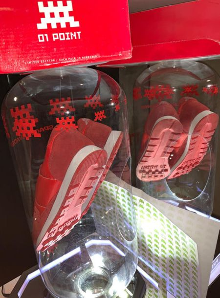 Invader Invader  Red Invader 01 Point Sneakers 2003 (DeadStock)    Sneakers édit…