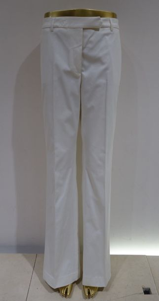 TRUE ROYAL  Pantalon blanc  Taille 44  Prix de vente boutique 495 euros