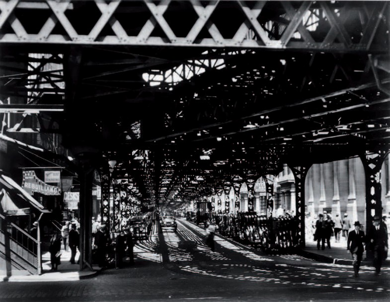 BERENICE ABBOTT 1898-1991 «Under the El at the Battery», New York, 1932. Tirage argentique…