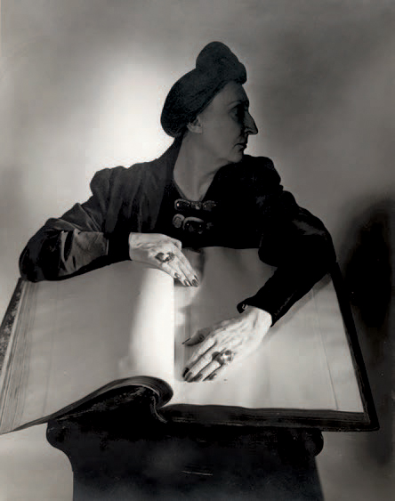 HORST P. HORST 1906-1999 Edith Sitwell, New York, 1948. Tirage argentique postérieur…