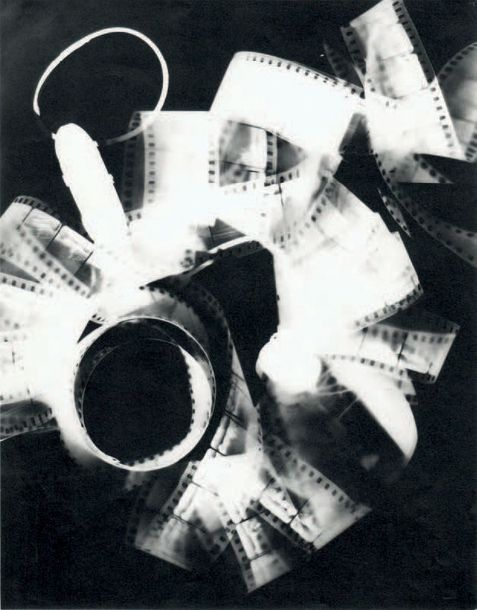 """MAN RAY 1890-1976 «Rayograph», ca. 1930. Tirage argentique 1982, tampons """"Man Ray…"""