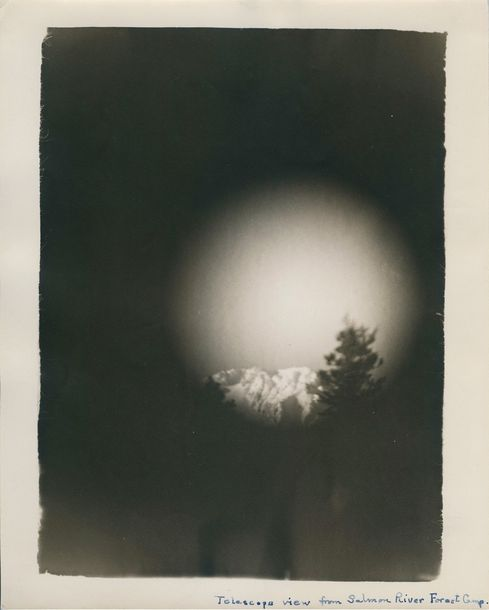 Photographe anonyme Telescope view from Salmon river forest Camp. USA, vers 1930.…