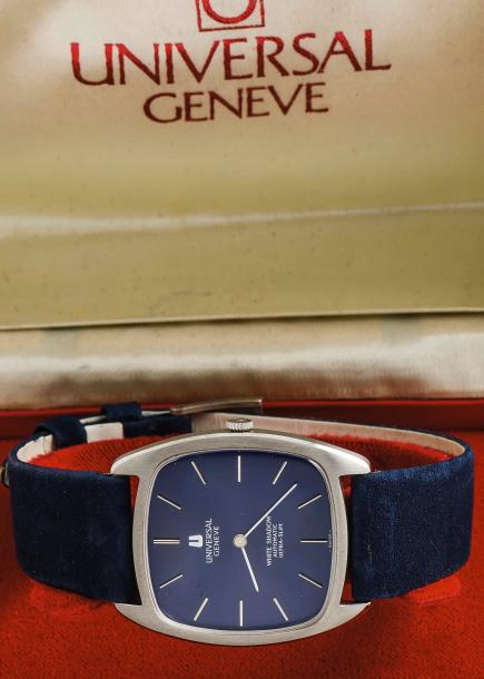UNIVERSAL GENEVE (WHITE SHADOW - EXTRAPLATE BLUE RÉF. 866105), vers 1968  Montre…