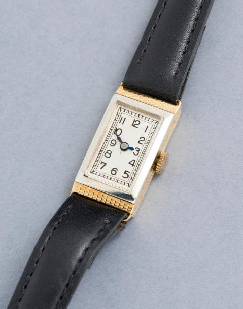 RECORD WATCH RECORD WATCH (RECTANGLE LADY – OR JAUNE n°20478), vers 1935  Montre…