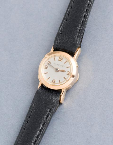 JAEGER-LeCOULTRE JAEGER-LeCOULTRE (DUOPLAN LADY – or jaune N° 111291), vers 1950…