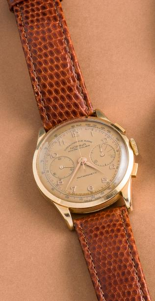 NORINA NORINA (CHRONOGRAPHE LUXE - ANTIMAGNETIC OR ROSE RÉF. 900), vers 1950.  Chronographe…