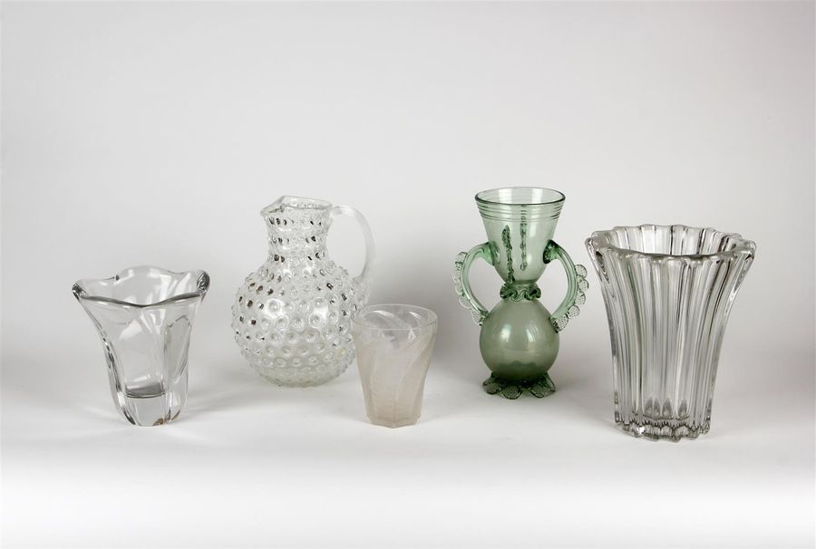 Lot de VERRERIE : vases, coupes et divers Petits accidents