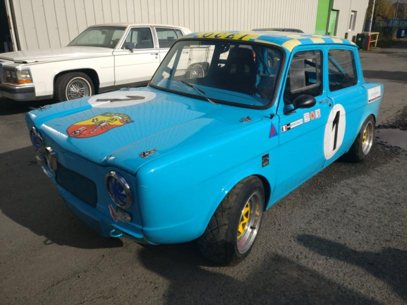 SIMCA ABARTH 1150S (Saloon car) - Carrosserie bleue turquoise et jaune, n°1 - Véhicule…