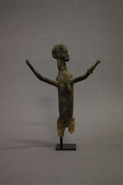 Statue Lobi Burkina Faso Bois H. 35 cm Provenance : Galerie 62, Paris Collection…