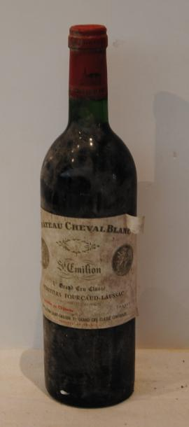 1 bout CHT CHEVAL BLANC 1975 TB (ETIQ SALE, MILLESIME ILLISIBLE)
