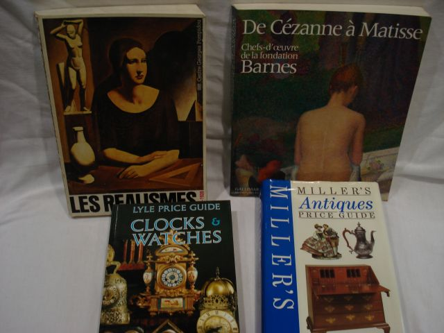 "Lot de livres d'art : Les Réalismes, Lyle Price Guide ""Clocks & Watches"", Millers's…"