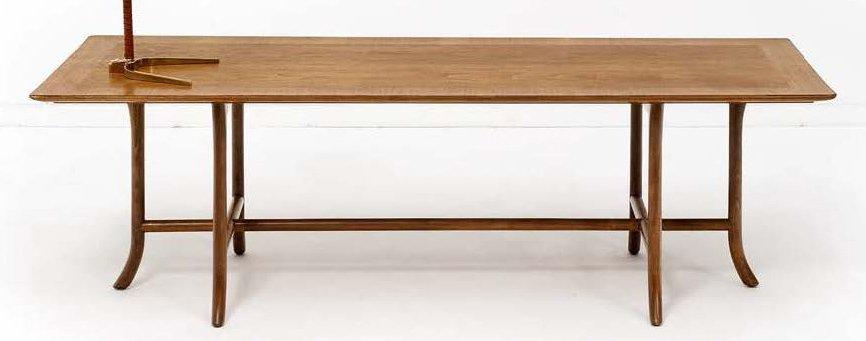 TERENCE HAROLD ROBSJOHN-GIBBINGS (1905-1976) Table basse Noyer. Edition Widdicomb.…