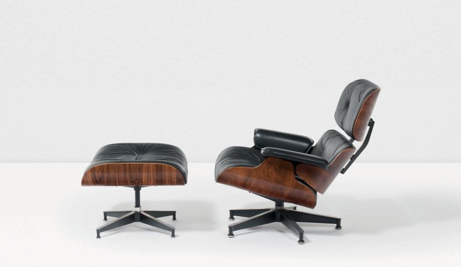CHARLES EAMES (1907-1978) & RAY EAMES (1912-1988) 670 - 671 Fauteuil et son repose-pieds…