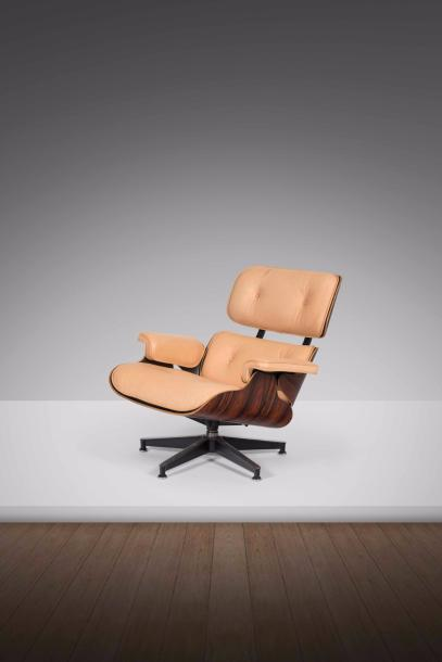 CHARLES EAMES (1907-1978) & RAY EAMES (1912-1988) 670 Fauteuil Contreplaqué moulé…