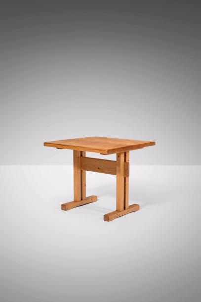 CHARLOTTE PERRIAND (1903-1999) Table Pin. Tafel Den. Circa 1968. H.70,5 cm L78 cm…