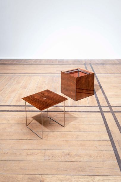 Poul Norreklit (1913-2007) Magic Cube Suite de six tables gigognes formant un cube…