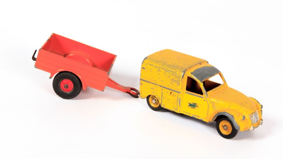 DINKY TOYS (FR)  Citroën 2CV Poste  (sans boîte, accidents et manques)  On y joint…