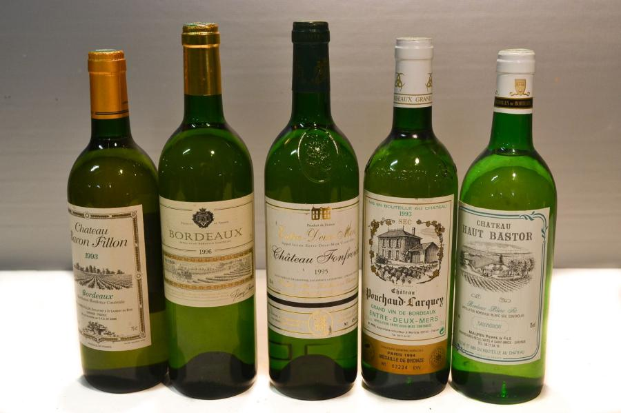Lot de 5 blles de vins blancs secs comprenant :		  1 Blle	CH. BARON FILLON	Bordeaux	1993…