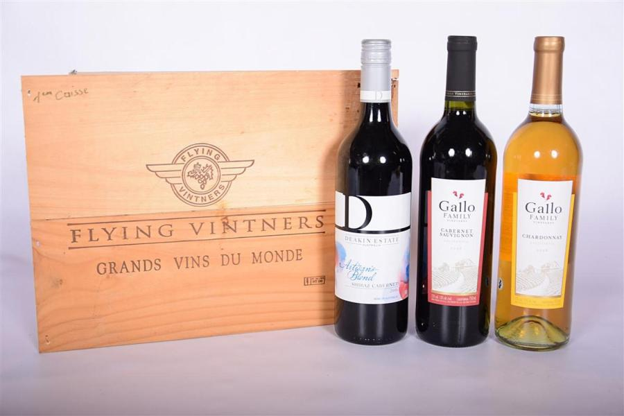 "Lot de 3 blles ""Flying Vintners"" comprenant :			 1 Blle	Cabernet Sauvignon (Californie)…"