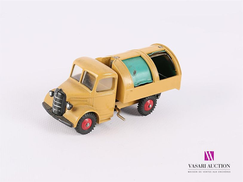 DINKY TOYS (GB) BEDFORD - couleur jaune - baches vertes amovibles benne basculante…