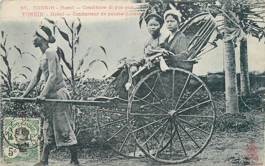 "15 CARTES POSTALES INDOCHINE : Sélection. ""Le Service postal en Automobile de Saigon…"