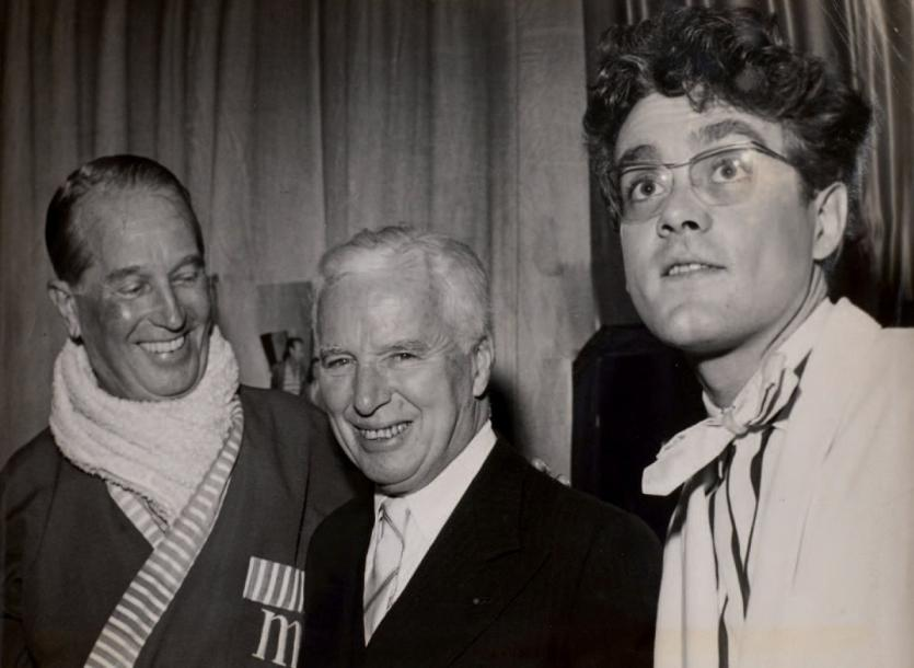 Photographie Charlie Chaplin, Maurice Chevalier, Darry Cowl Photographie, vers 1950.…