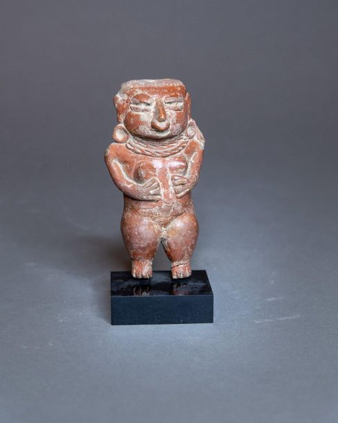 STATUETTE ANTHROPOMORPHE  Culture Michoacán, Mexique Occidental  Préclassique, 4…