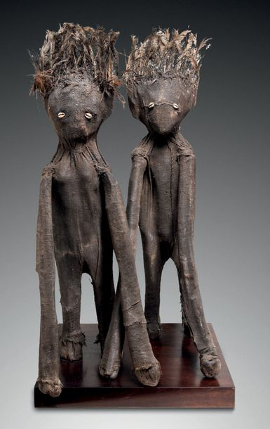 COUPLE DE STATUES ORACLES SÉNOUFO KAFIGELEDIO, DISTRICT DE KORHOGO, CÔTE D'IVOIRE…