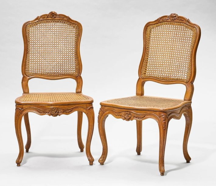LOT OF SIX CHAIRS Louis XV. France, Lyons, ca. 1755. Three chairs with signature…