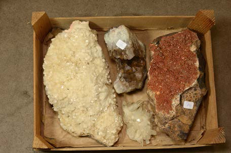 Lot avec vanadinite, quartz