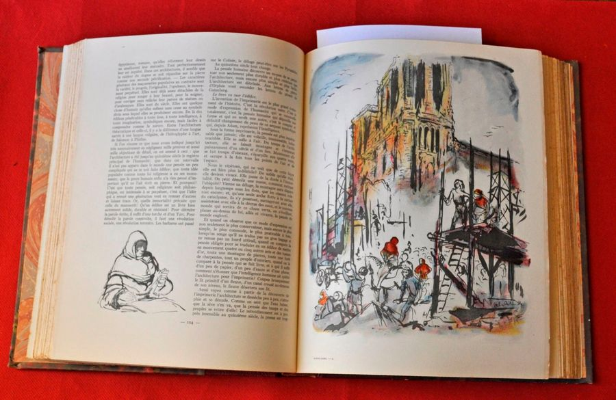 V. HUGO. Notre Dame de Paris. Illustrations de F. SALVAT. Larousse 1935. Reliure…