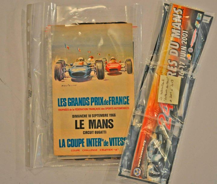 Lot de souvenirs 24h du Mans (Flyers 1961, 1971 + carte Michelin 1926/1930 + aut…
