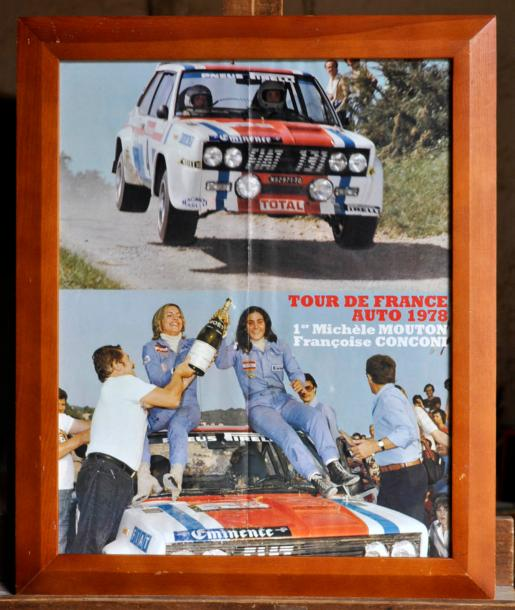 FIAT ABARTH Lot de 4 posters: Fiat 131 Abarth, The Chequered Flag. Poster encadré.…