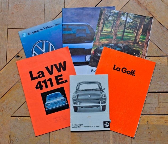 VW. Lot de 6 brochures publicitaires (Golf, 1500, 411, Polo Bagatelle, Passat)