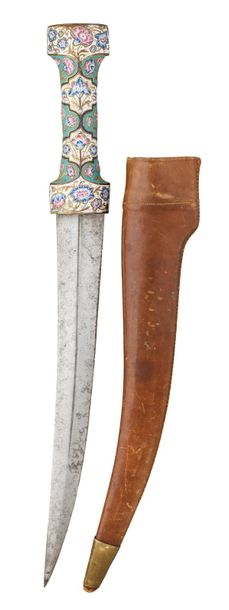‡ A PERSIAN DAGGER (JAMBIYA), QAJAR, 19TH CENTURY with curved double edged blade…