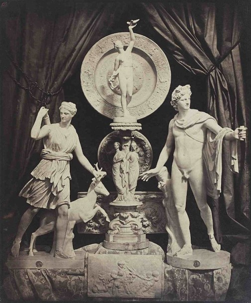 Hippolyte BAYARD (1801-1887). Composition aux sculptures : Diane et l'Apollon du…