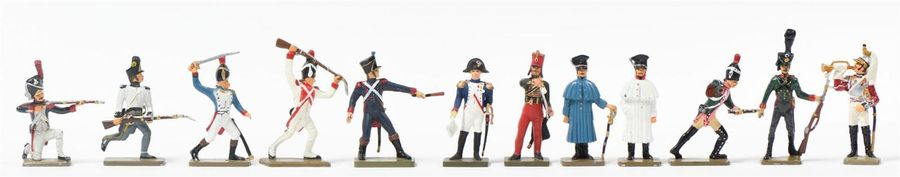 STARLUX COLLECTION de 139 petits soldats du 1er Empireen plomb peint (accidents…