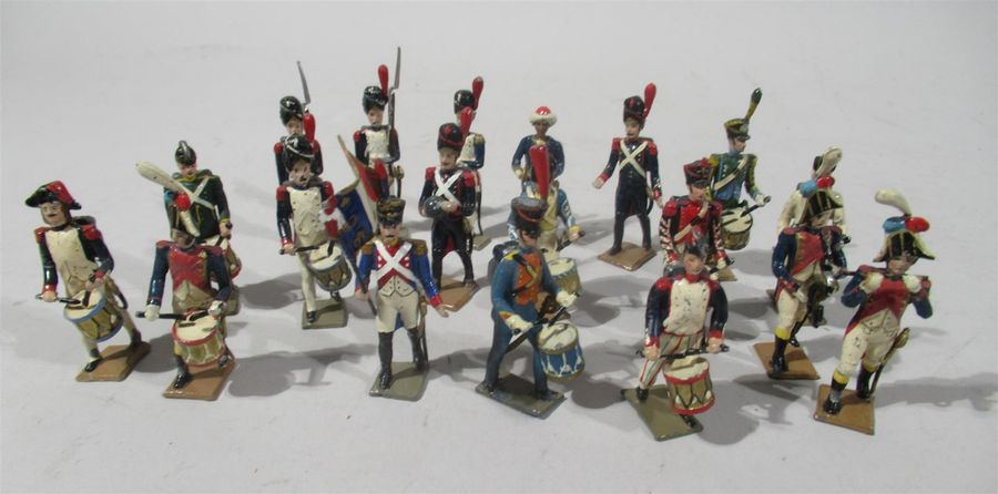 CBG Made in France - Suite de 19 soldats de plomb polychrome (diverses séries dépareillées)…