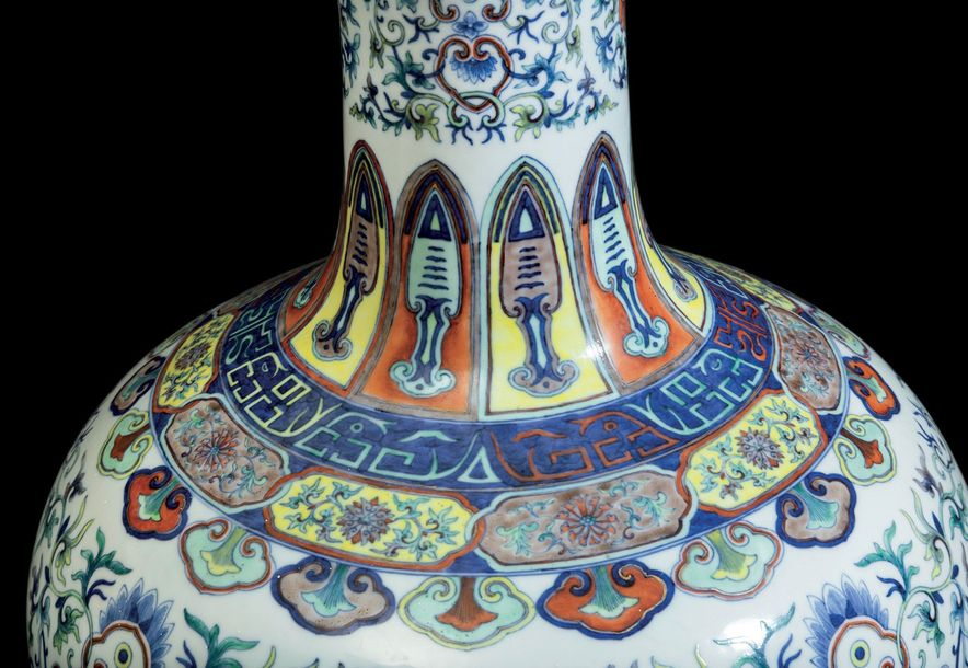A rare large and magnificent Doucai vase, Tianqiuping, China, Qing Dynasty Qianl…