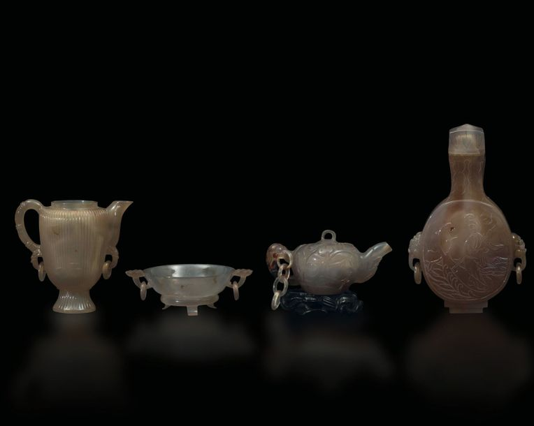 A lot of four agate items, China, 17 1800s A lot of agate items made up by: a cu…