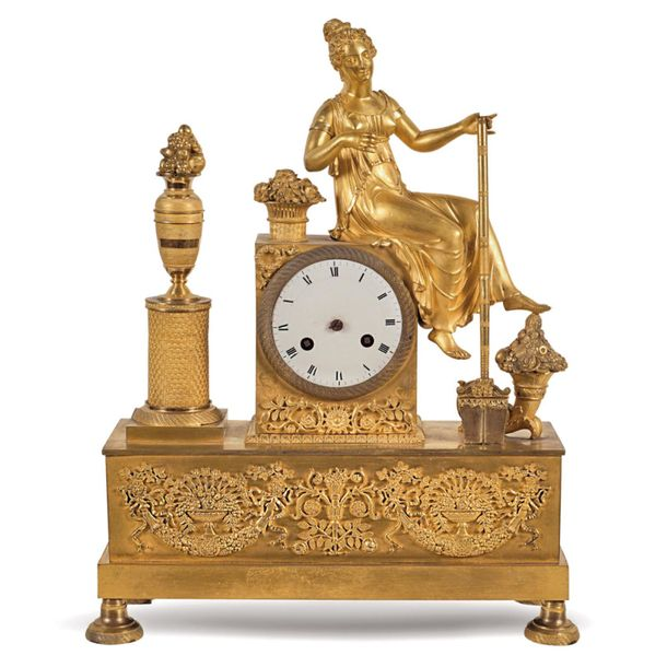 Gilt bronze mantel clock France, 19th century 40x31x12 cm. Architectural structu…