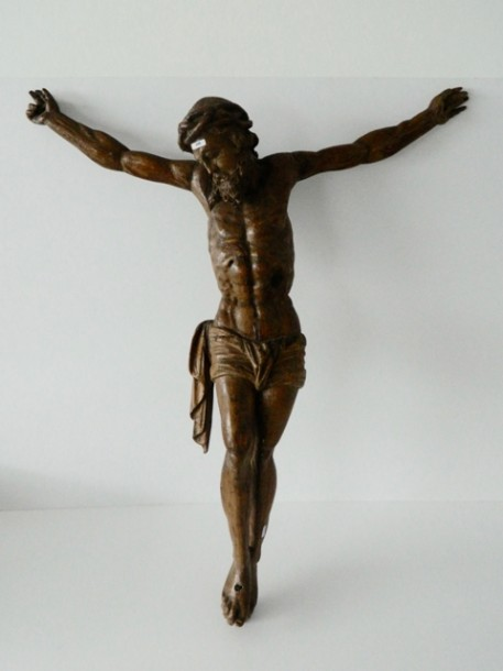 Crucifix d'époque Baroque, XVIIe, chêne sculpté, h. 105 cm, l. 88 cm [accidents,…