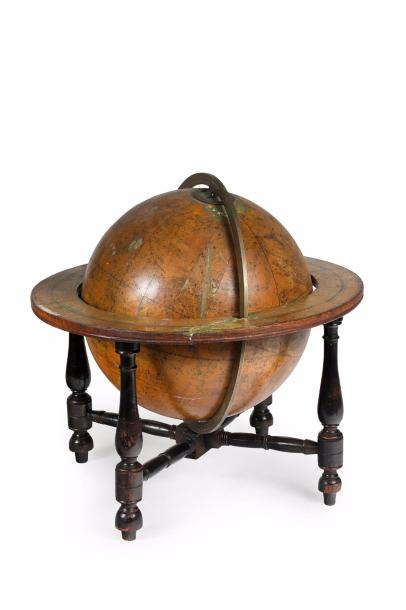 Globe de table céleste signé 'A new Celestial Globe compiled from the Works of Wollaston,…