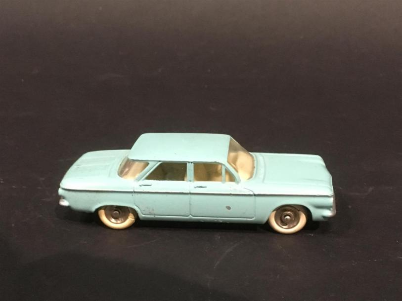 Dinky Toys Made in France Chevrolet corvair 552 Couleur bleu bon état