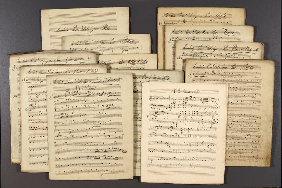 Large, intriguing collection of musical partitions. 19th c Printed scores: Haekl…
