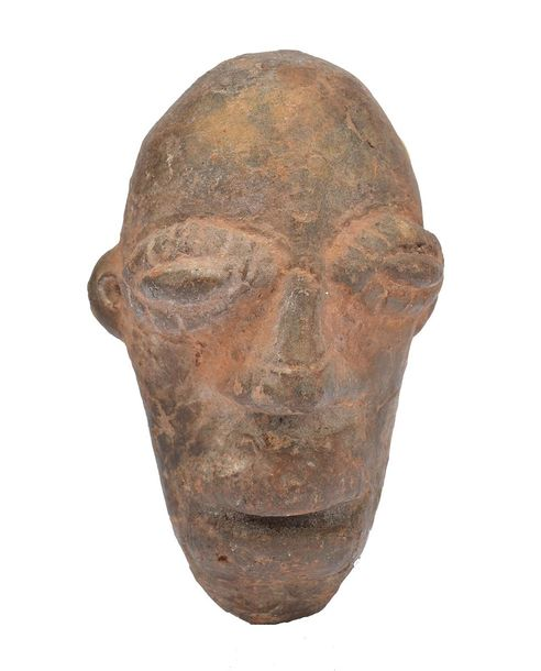 A Djenne head Mali terracotta, with elliptical eyes and an open mouth, 8cm high.