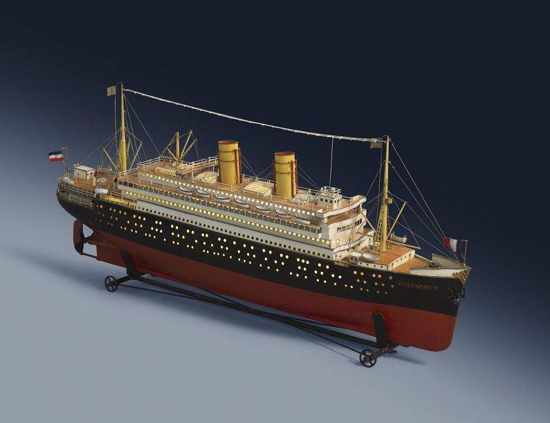 A RARE GERMAN TINPLATE DISPLAY MODEL OF AN OCEAN LINER BY MARKLIN c.1912 18 of a…