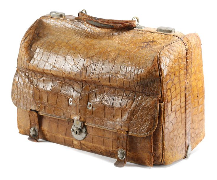 A CROCODILE LEATHER GLADSTONE BAG LATE 19TH / EARLY 20TH CENTURY with silvered t…